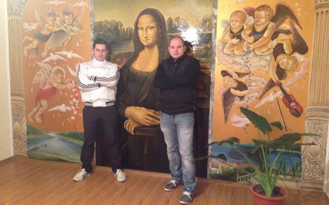 Mona Lisa și Napoleon, ultima fiță din casele oșenilor. Vasile Marina execută lucrările care par ireale