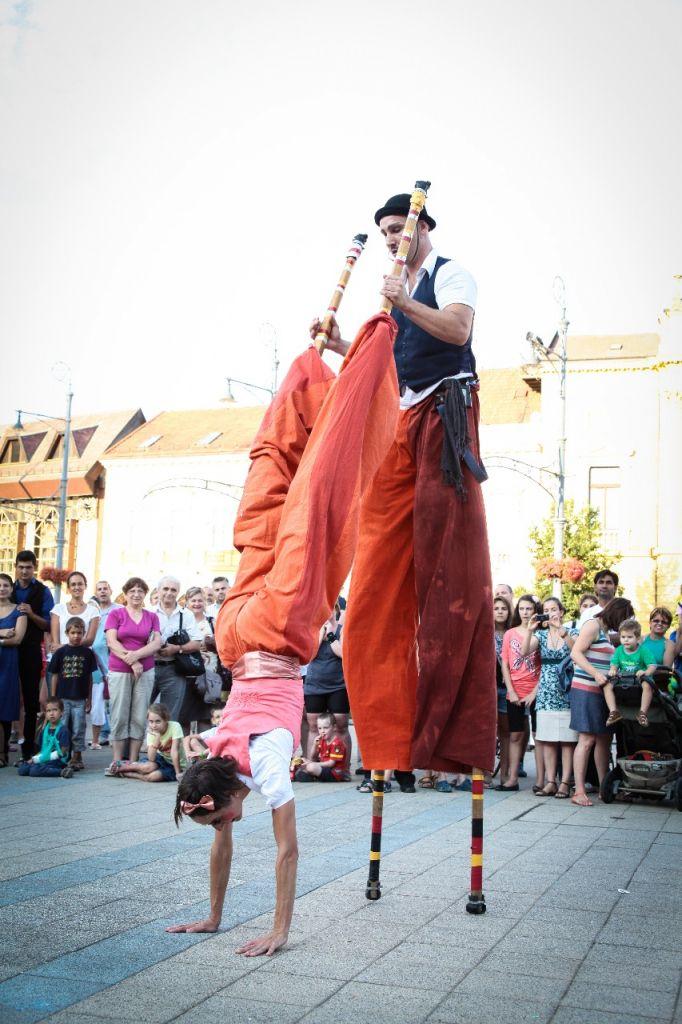 Zilele Culturale Partium închid strada 1 Decembrie și o transformă într-un loc de relaxare și cultură