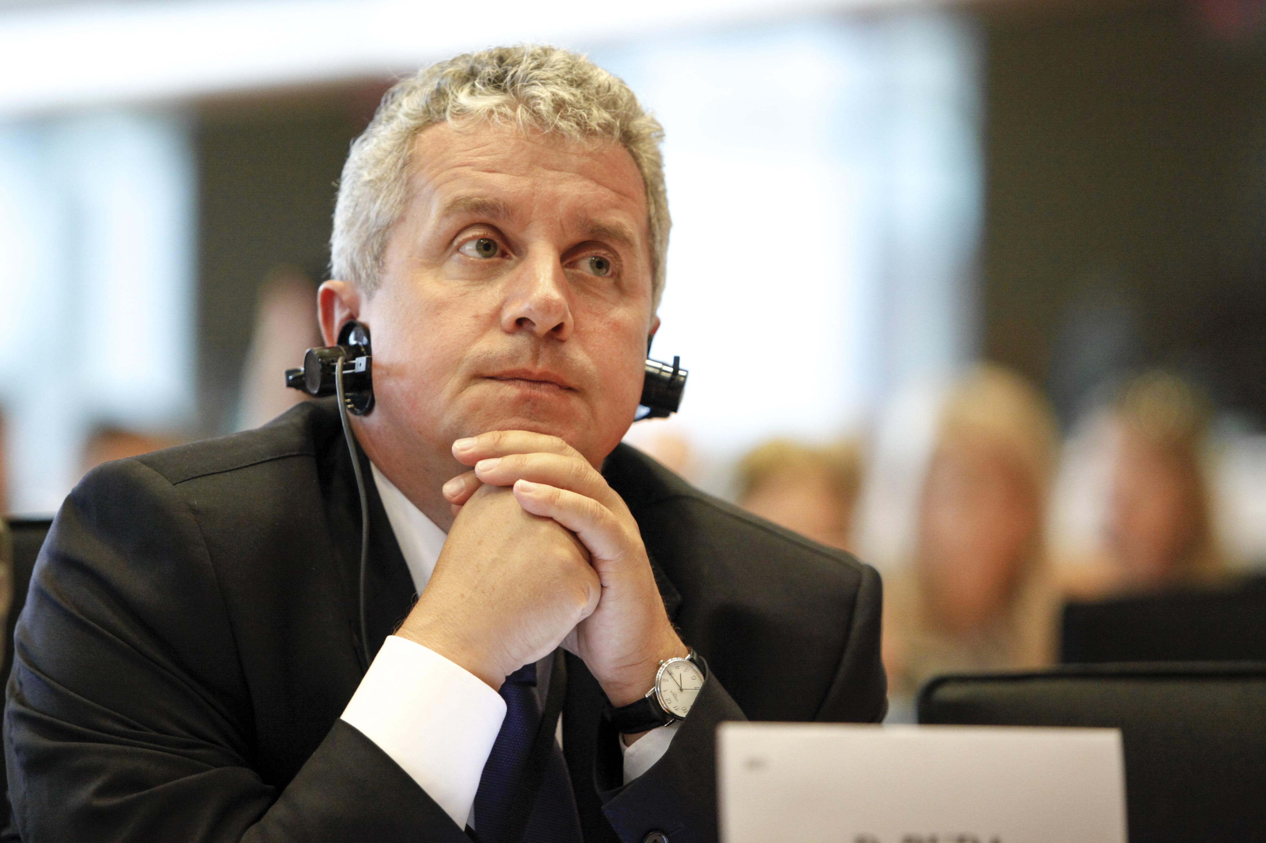Europarlamentarul Daniel Buda și grupul PPE cer comisiei europene să nu mai schimbe regulile în timpul jocului cu privire la depunerea cererilor de subvenție