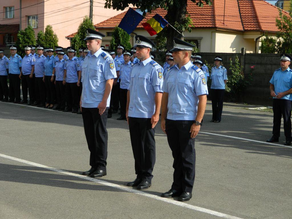 Trei noi subofițeri, proaspăt absolvenți, și-au început activitatea la Inspectoratul Județean de Jandarmi