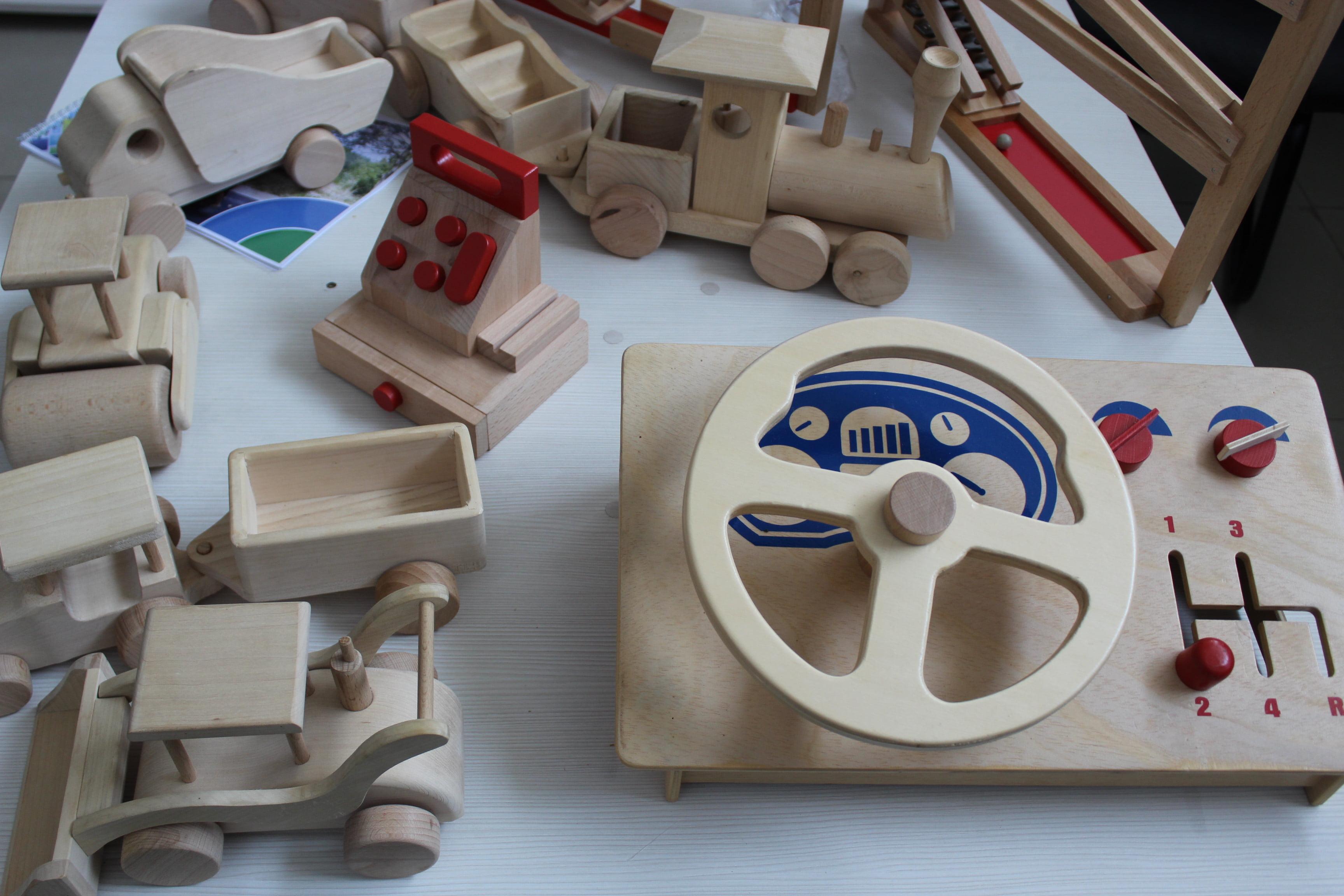 Jucăriile ecologice de lemn produse la Satu Mare, preferatele nemților. Cine le produce