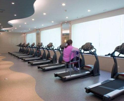 Sfaturile Grand Fitness: Care sunt greșelile pe care să eviți să le faci pe banda de alergare