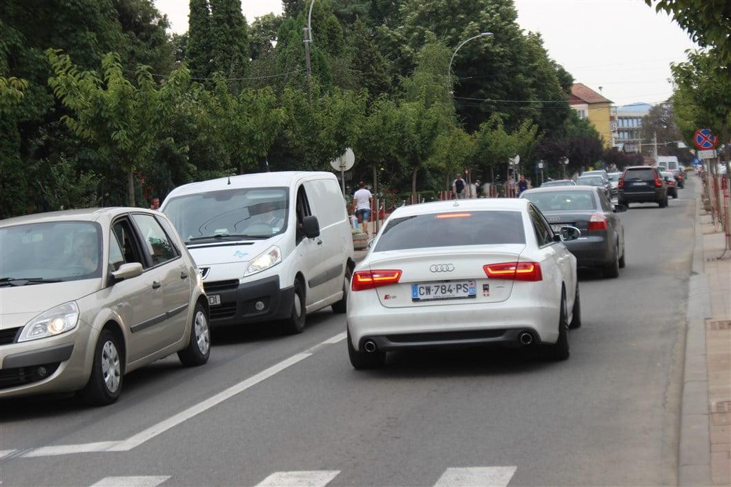 Un bărbat din Gherța Mică a provocat un accident în Negrești. O femeie a fost rănită