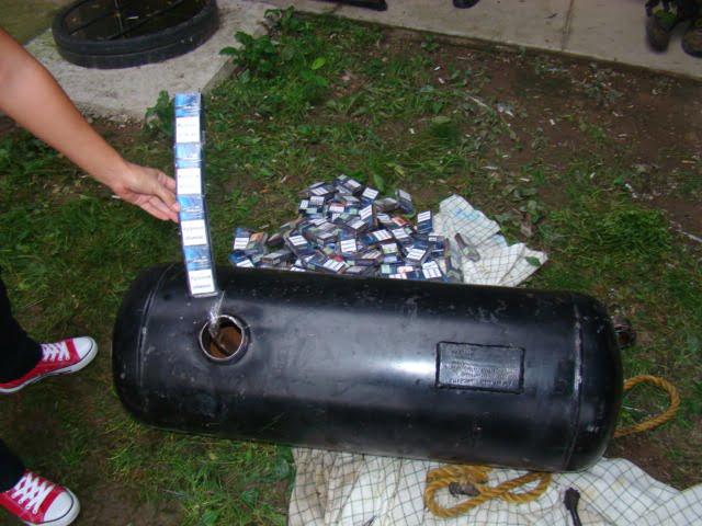 Cum a încercat un cetățean maghiar să aducă țigări în țară. S-a ales cu amendă și cu mașina confiscată