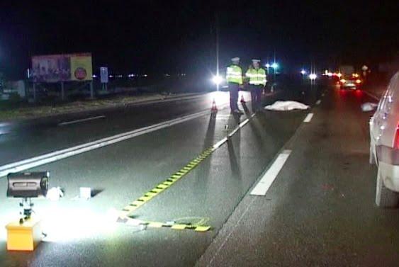 Un tânăr de 19 ani a accidentat grav doi oameni pe trecerea de pietoni