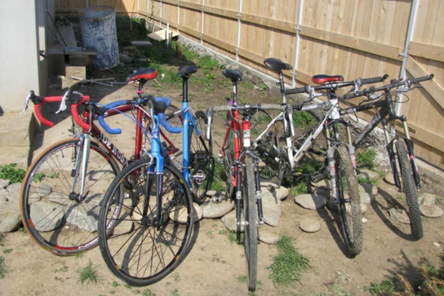 Hoți de biciclete la Valea Vinului. Poliția le-a venit de hac rapid