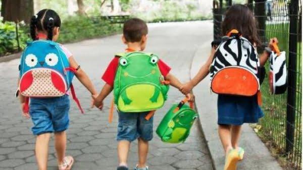 Începe școala! Vezi structura anului școlar și când e prima vacanță