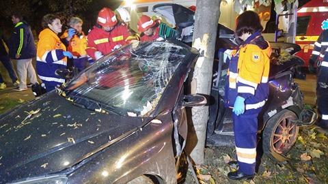 Accident deosebit de grav în Satu Mare. Două persoane rănite