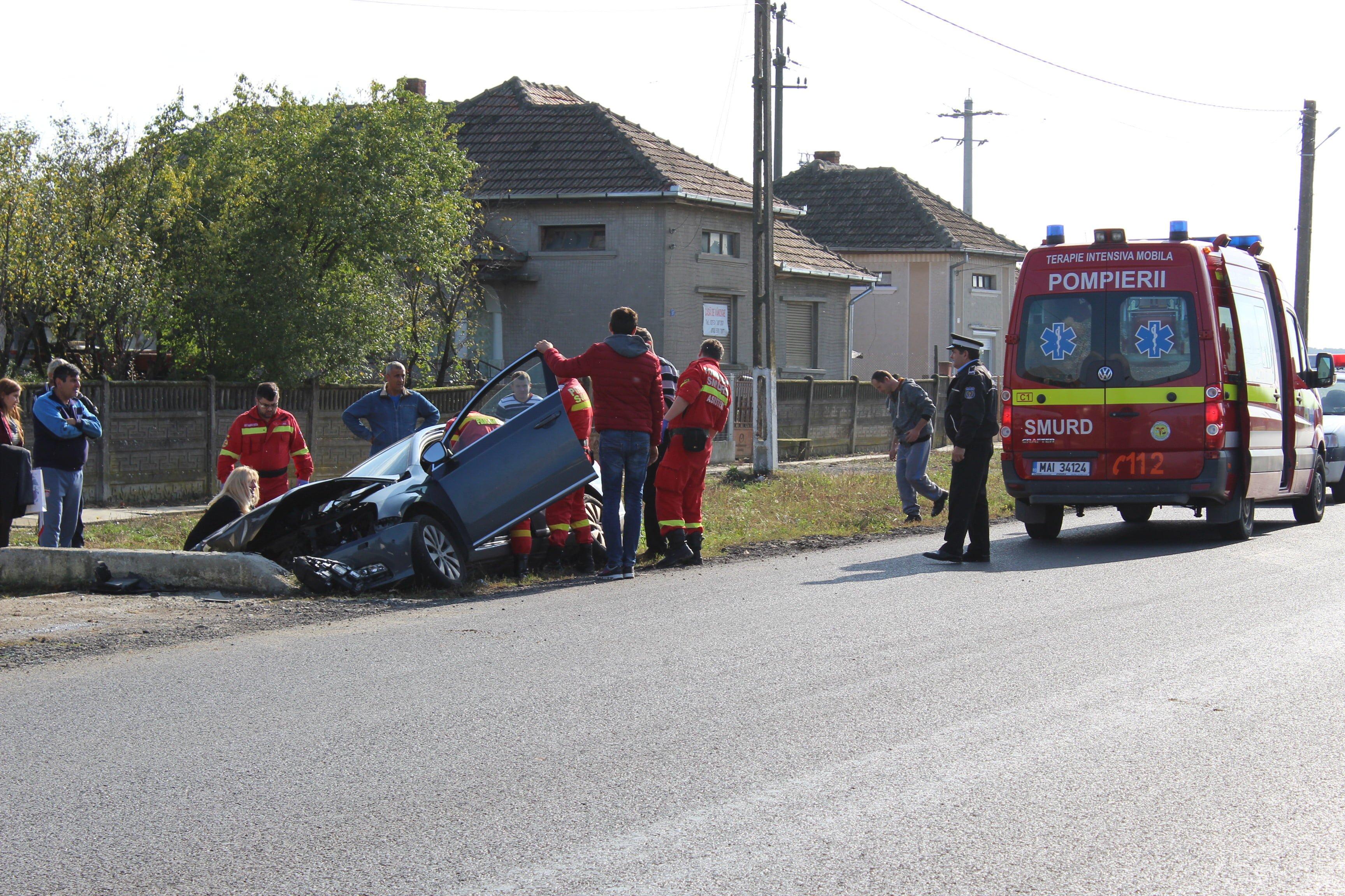 Accident brutal între Ardud și Mădăras. Două persoane au fost urcate în SMURD și transportate la urgențe