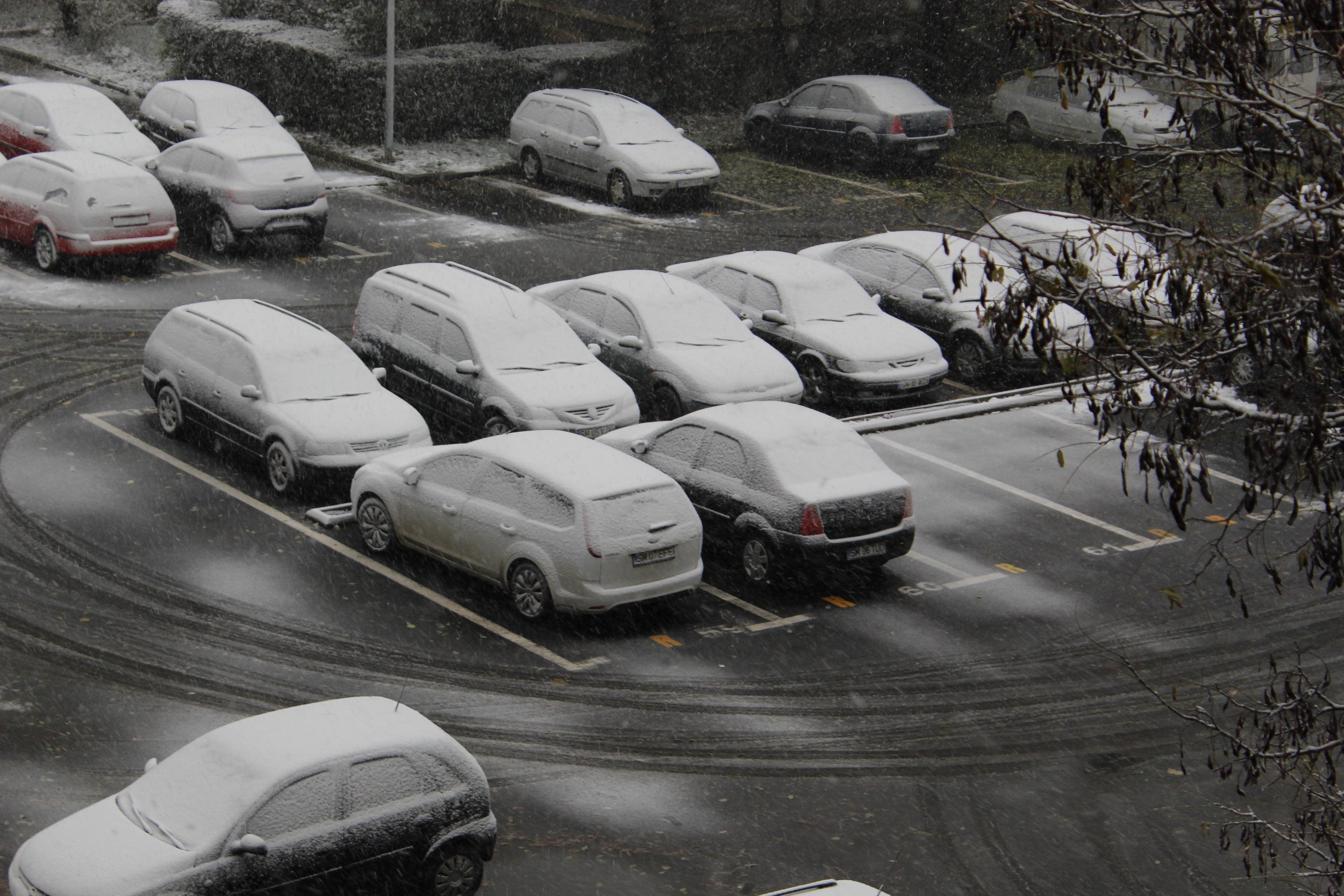 NINGE la Satu Mare! Prima ninsoare a căzut mai repede decât se aștepta oricine