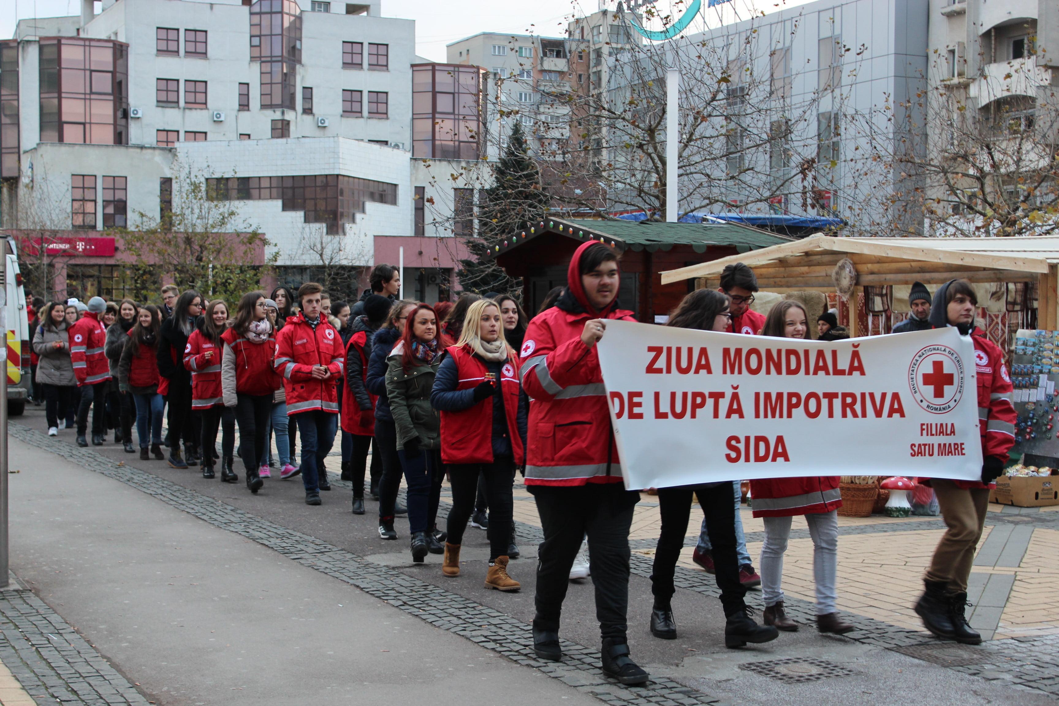 Numărul persoanelor cu SIDA este în creștere în Satu Mare. Peste 100 de persoane la marșul anti-SIDA