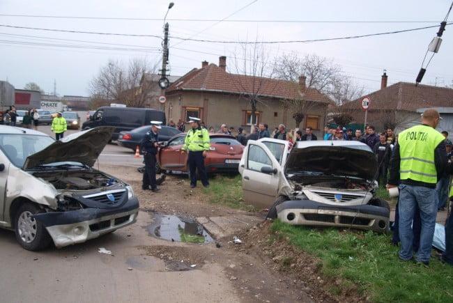 Șofer fără permis, depistat de polițiști doar după ce a fost victima unui accident