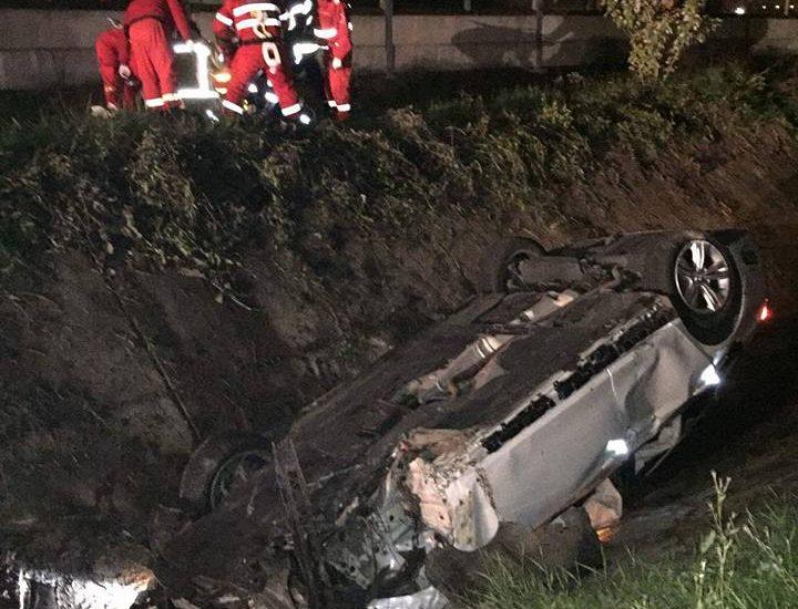 Accident în Ciuperceni. Șoferul și un tânăr de 27 de ani au ajuns la spital în stare gravă