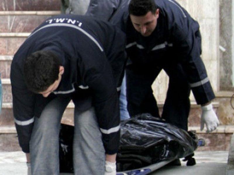 Cadavru în putrefacție, descoperit într-un apartament din centrul orașului