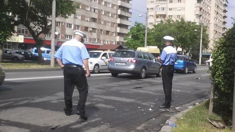 Accident pe străzile Barițiu și Careiului. Două persoane au fost rănite