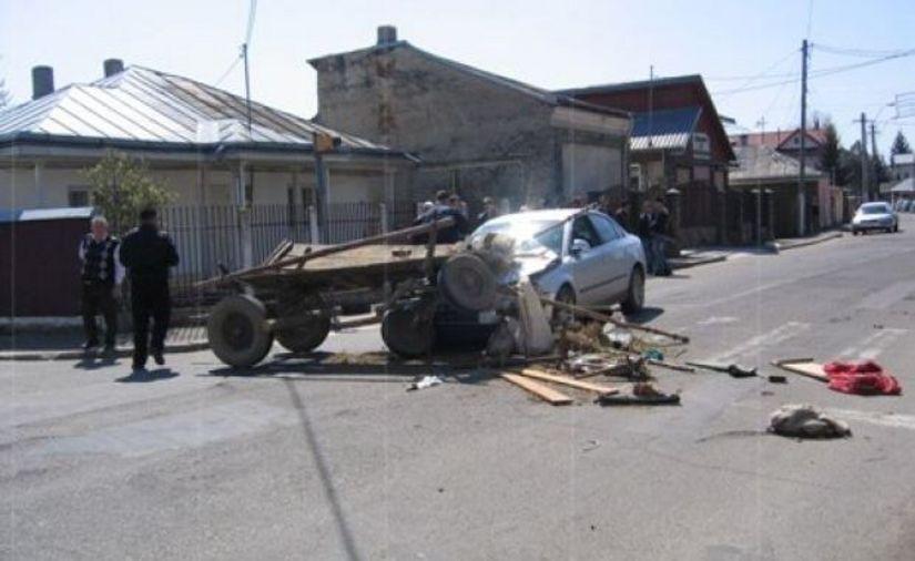 A accidentat o căruță, a rănit un copil și apoi a fugit de la locul accidentului