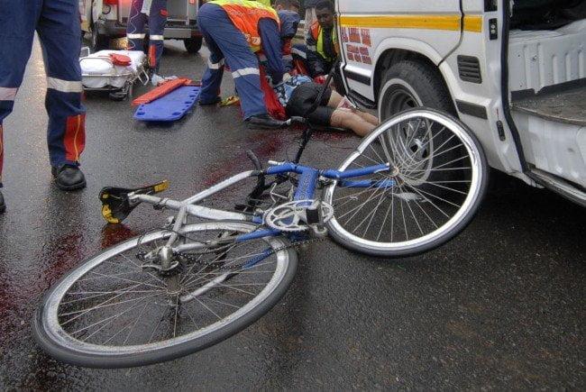 A lovit și a fugit. Un șofer a dispărut după ce a lovit un biciclist