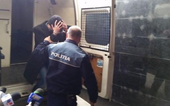 O brută de oșan, a ajuns în arest . Polițiștii din Gherța l-au identificat și l-au aruncat după gratii