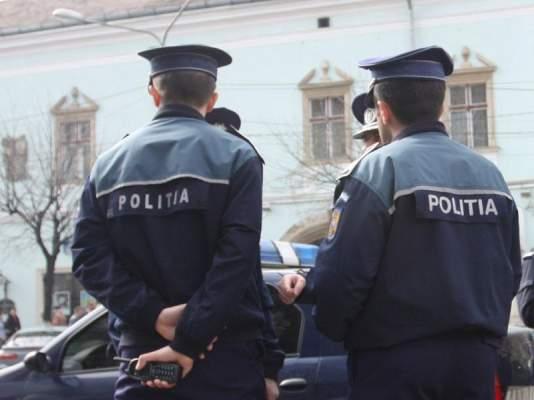Peste 300 de polițiști vor asigura ordinea de sărbători în localități și pe șosele