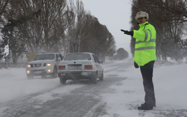 Gerul și vremea rea se intensifică. Poliția are recomandări pentru tine dacă te pui pe drumuri