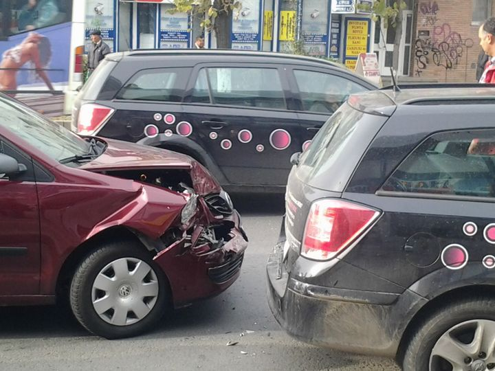 Un sătmărean beat bine a provocat un accident pe strada Gladiolei din municipiul Satu Mare