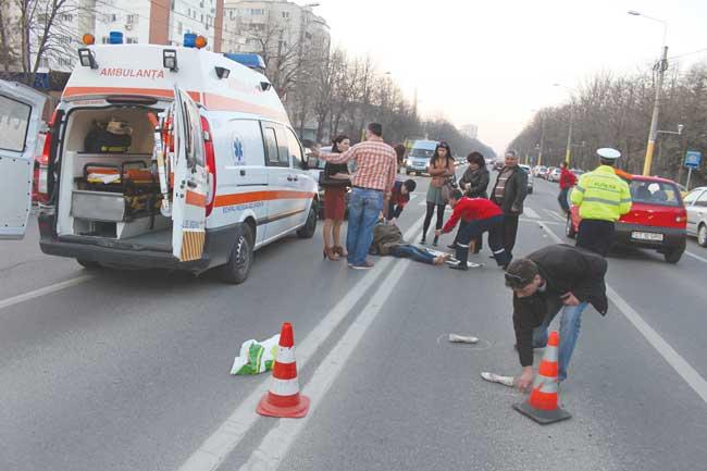 O șoferiță fără experiență a accidentat o persoană pe strada Botizului