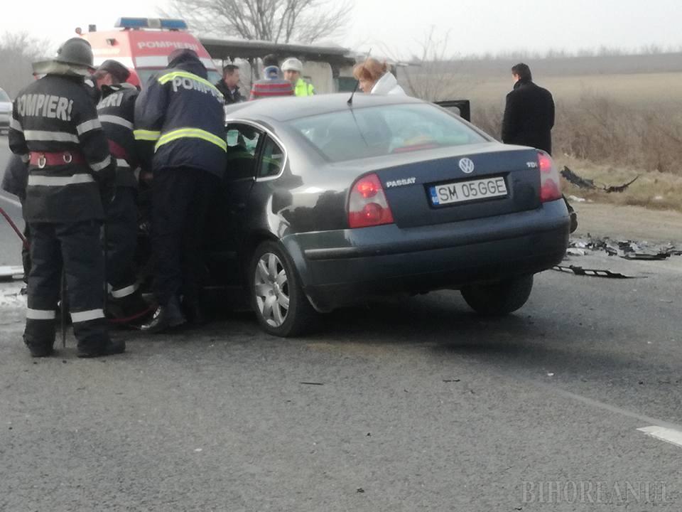 Accident cu ȘAPTE victime lângă Pișcolt. O mașină din Satu Mare a fost implicată
