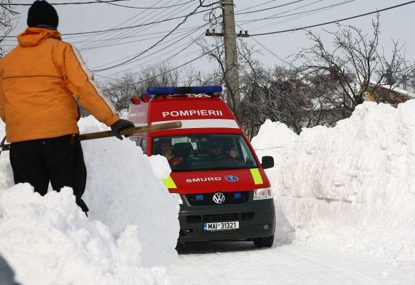 Un bărbat a murit înghețat la doi pași de Satu Mare. E a patra victimă a gerului din România