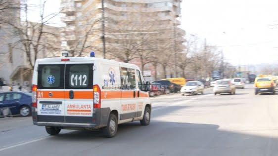 """Ambulanța și SMURD-ul sunt supraaglomerate de solicitări absurde :""""Multe cazuri anunțate la 112 nu sunt urgențe"""""""