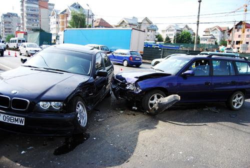 Accident pe Bulevardul Lucian Blaga. Două persoane, din Homorod și Satu Mare, au fost rănite