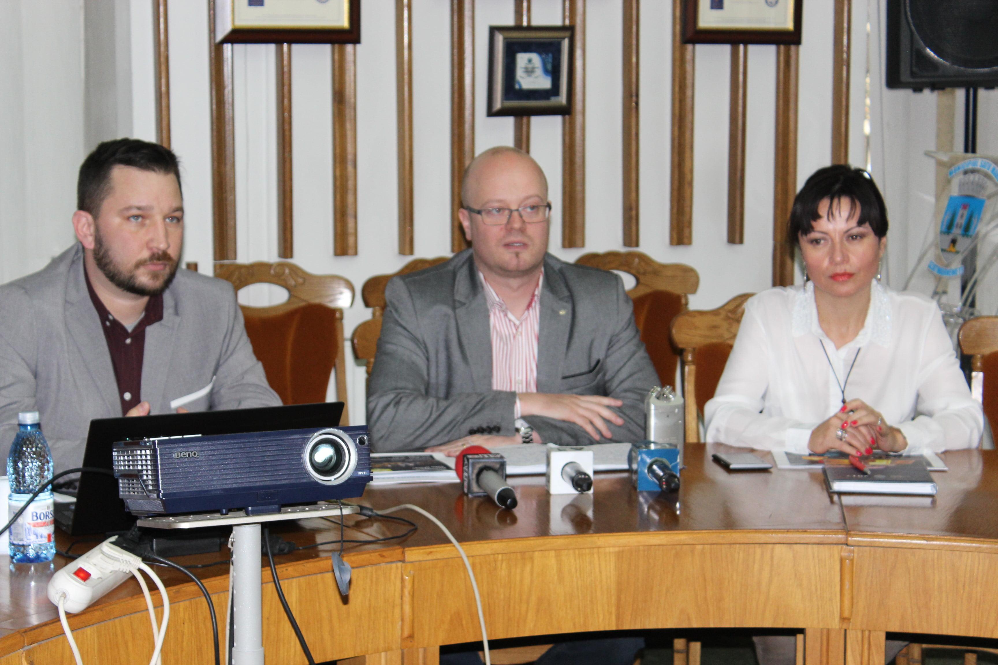 Primarul Kereskenyi Gabor bate birourile de la București pentru pod și Hotelul Sport