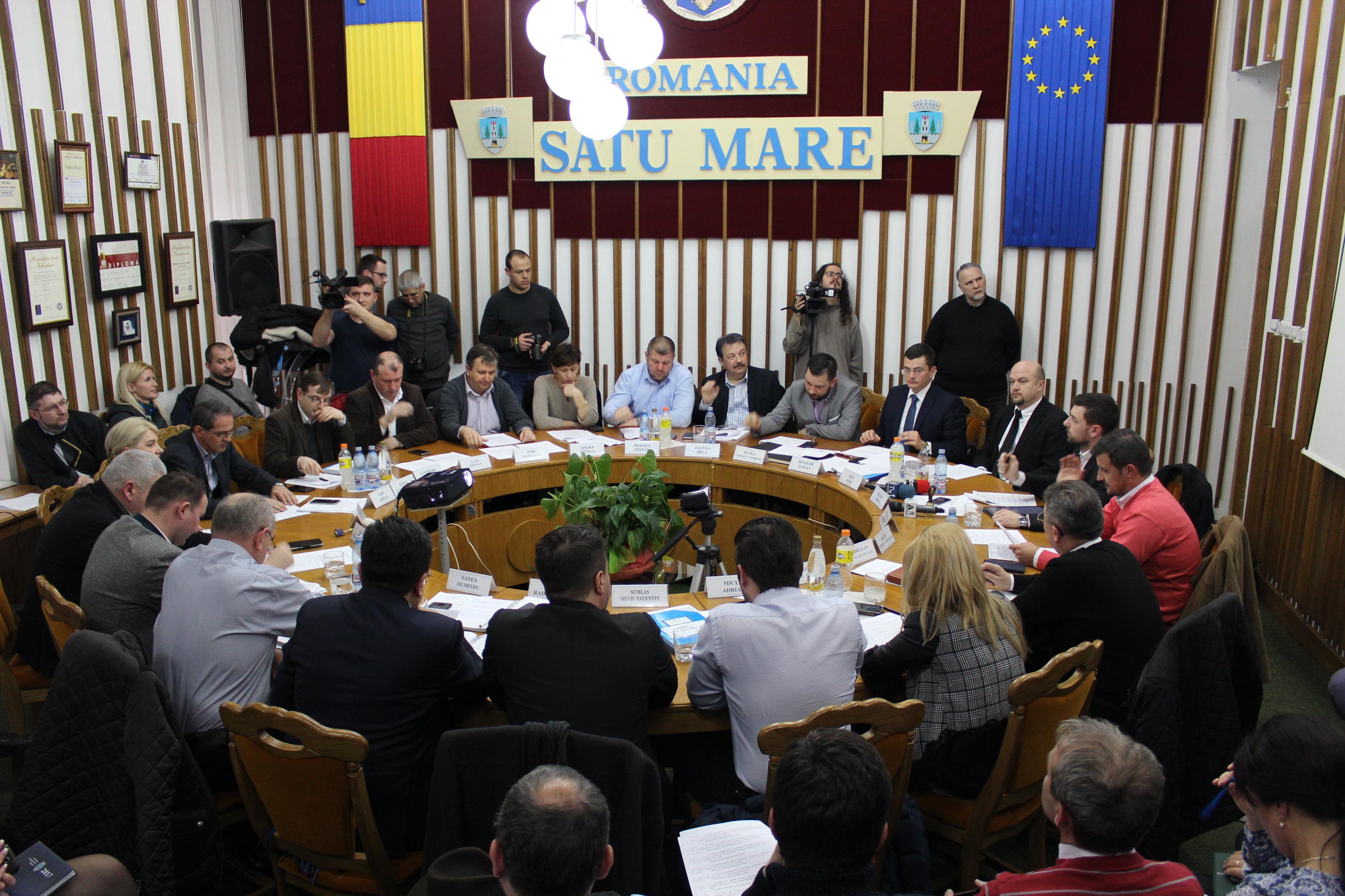 După lungi discuții, consilierii locali au votat pentru creșterea prețului la salubritate