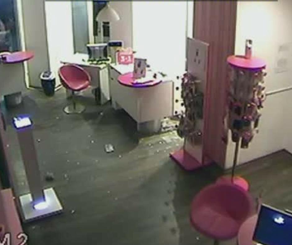 Sătmărenii caută pe net autorul unui furt dintr-un salon de înfrumusețare