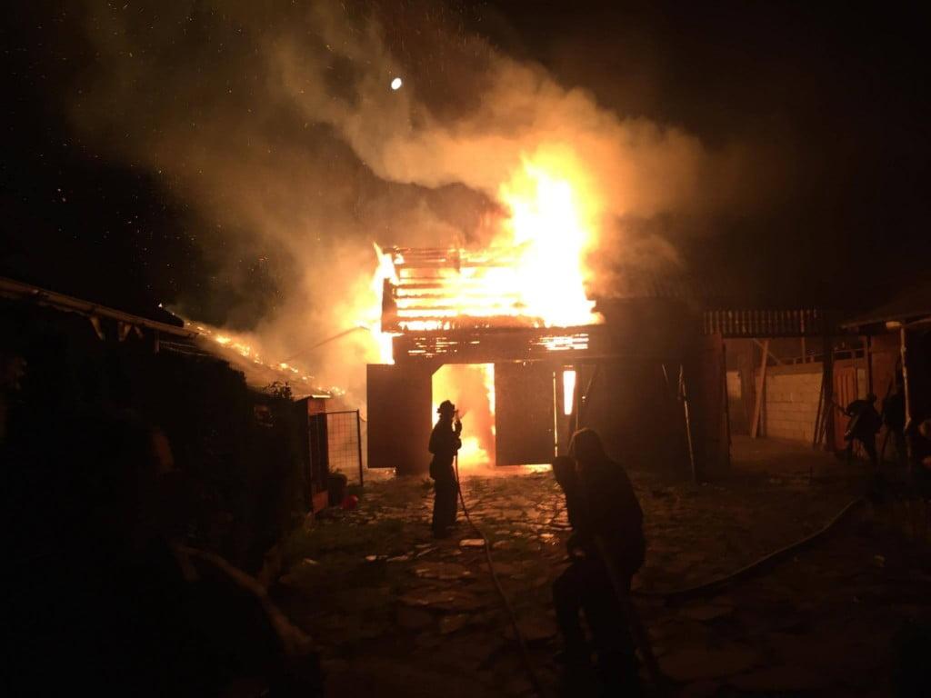 Incendiu în Solduba. Omul și-a dat singur foc la casă