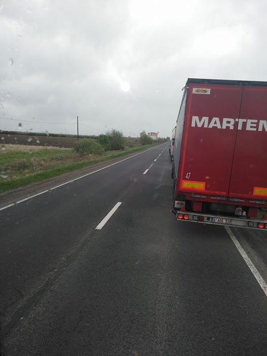 E cod roșu la Vama Petea! Camioanele așteaptă 500 de minute să treacă granița