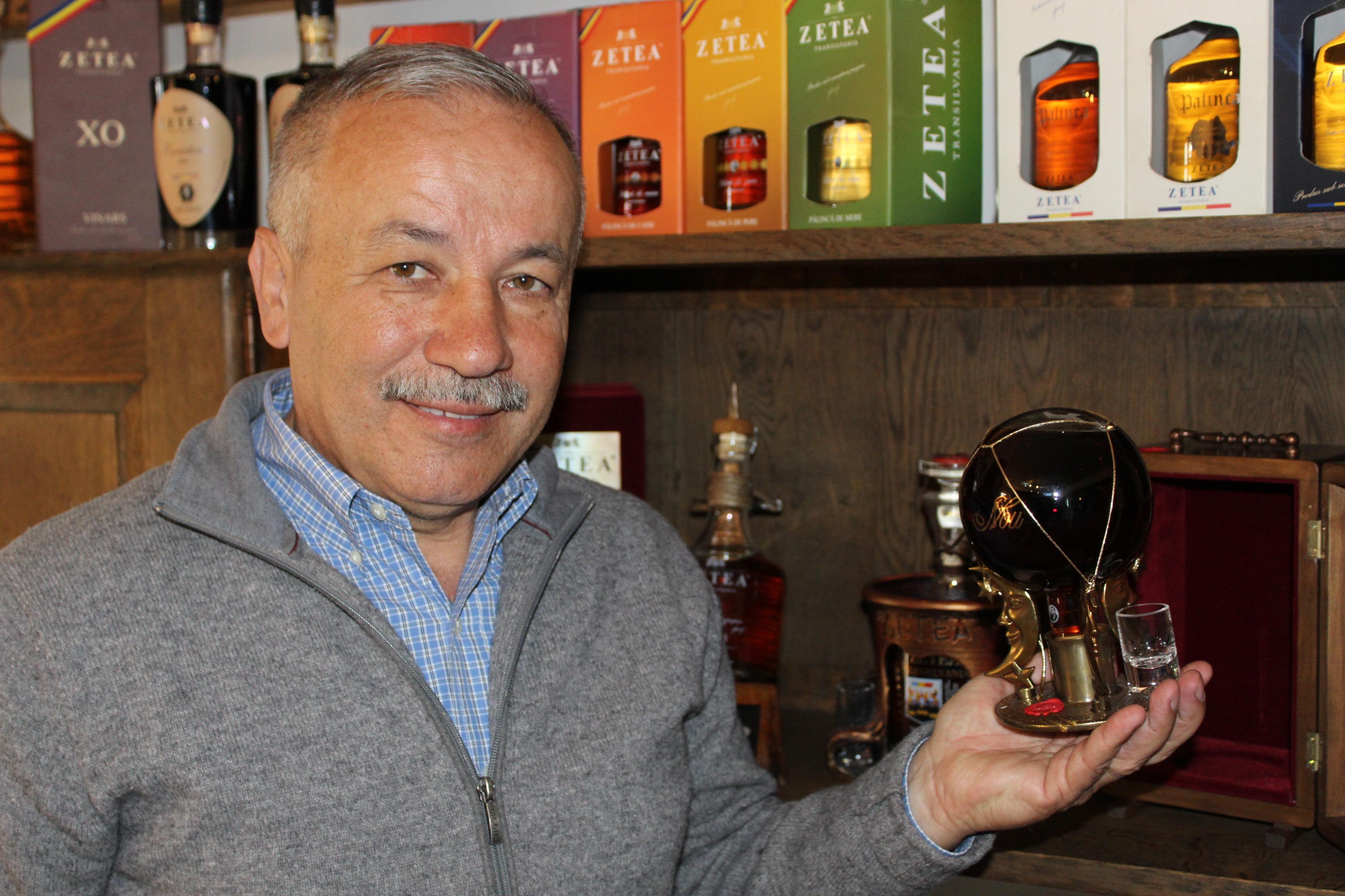 Secretele celei mai scumpe pălinci din România, produsă în Satu Mare, care ajunge la 2000 euro litrul