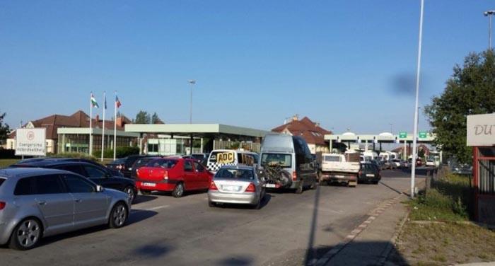 Traficul în Vama Petea a revenit la valori mai normale. Pentru camionangi a rămas însă un chin