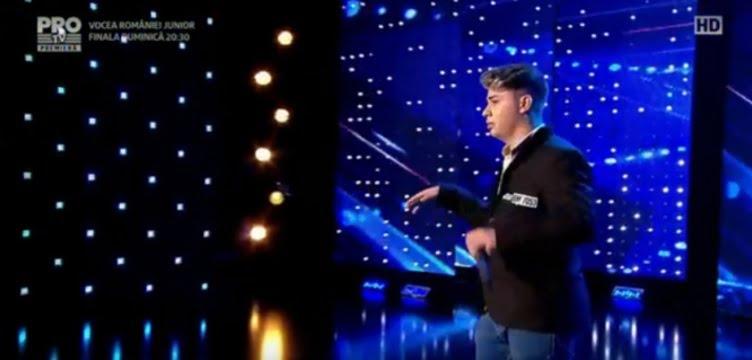 """Un sătmărean a luat a doua oară, în doi ani, 4 de """"DA"""" la Românii au Talent – VIDEO cu prestația FABULOASĂ"""