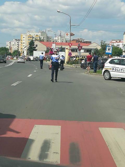 O șoferiță a accidentat un motociclist în față la Tei