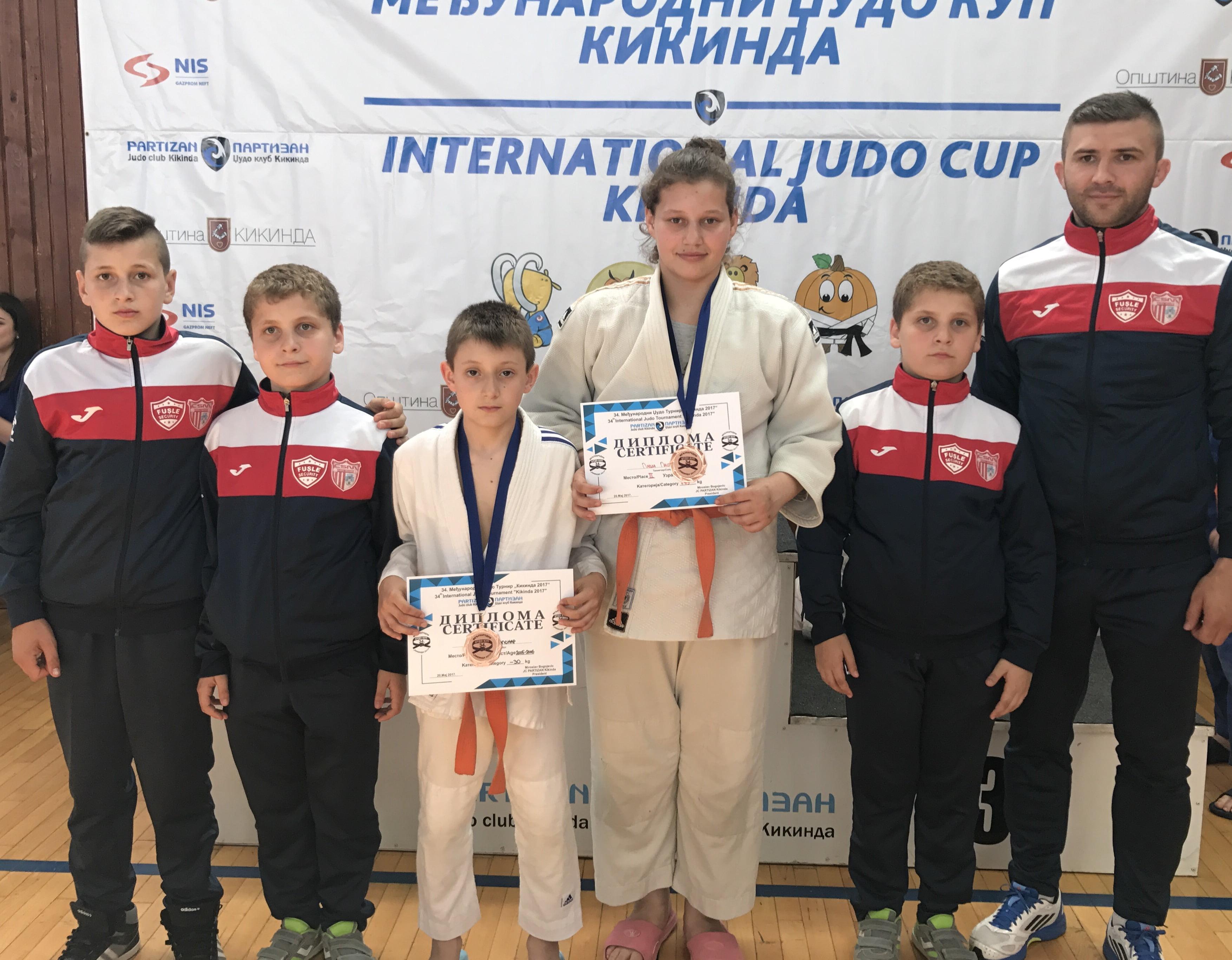 Judoka de la CSM -CS Fușle Security s-au întors cu două medalii din Serbia