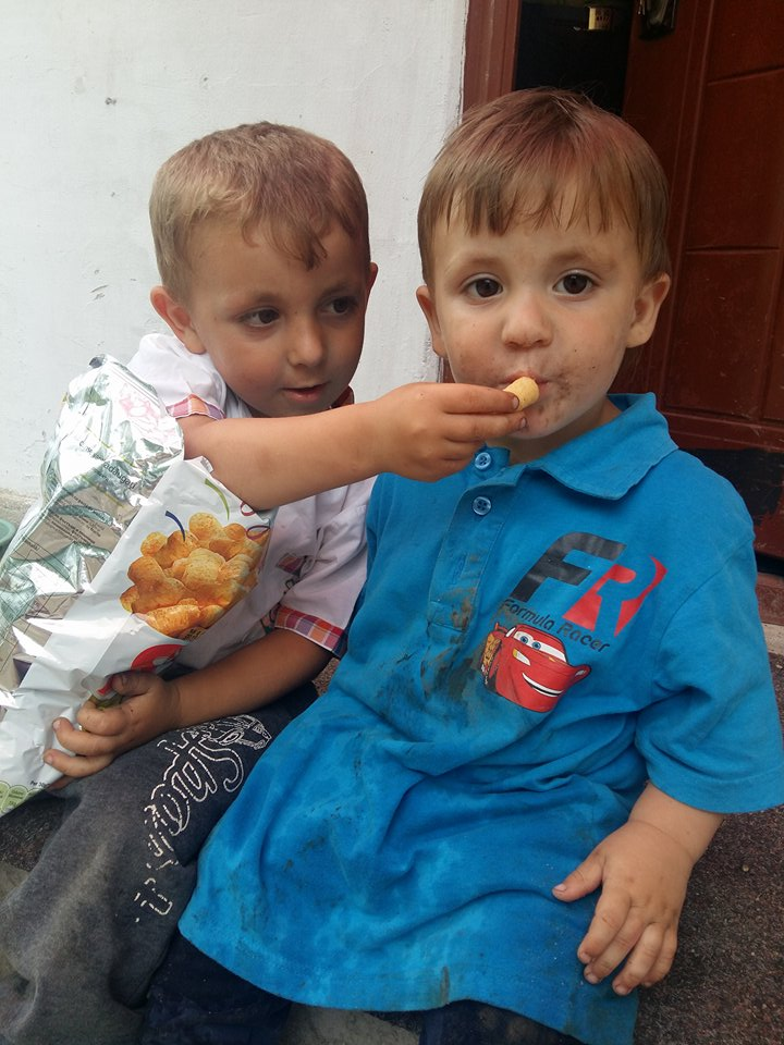 Öt testvérnek van szüksége a mi segítségünkre. Adjunk reményt a számukra, egy szép gyerekkor érdekében!