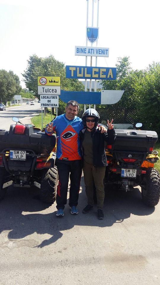 """FOTO! Ce aventură nebună! Doi sătmăreni au """"tăiat"""" țara în două, călare pe ATV-uri"""