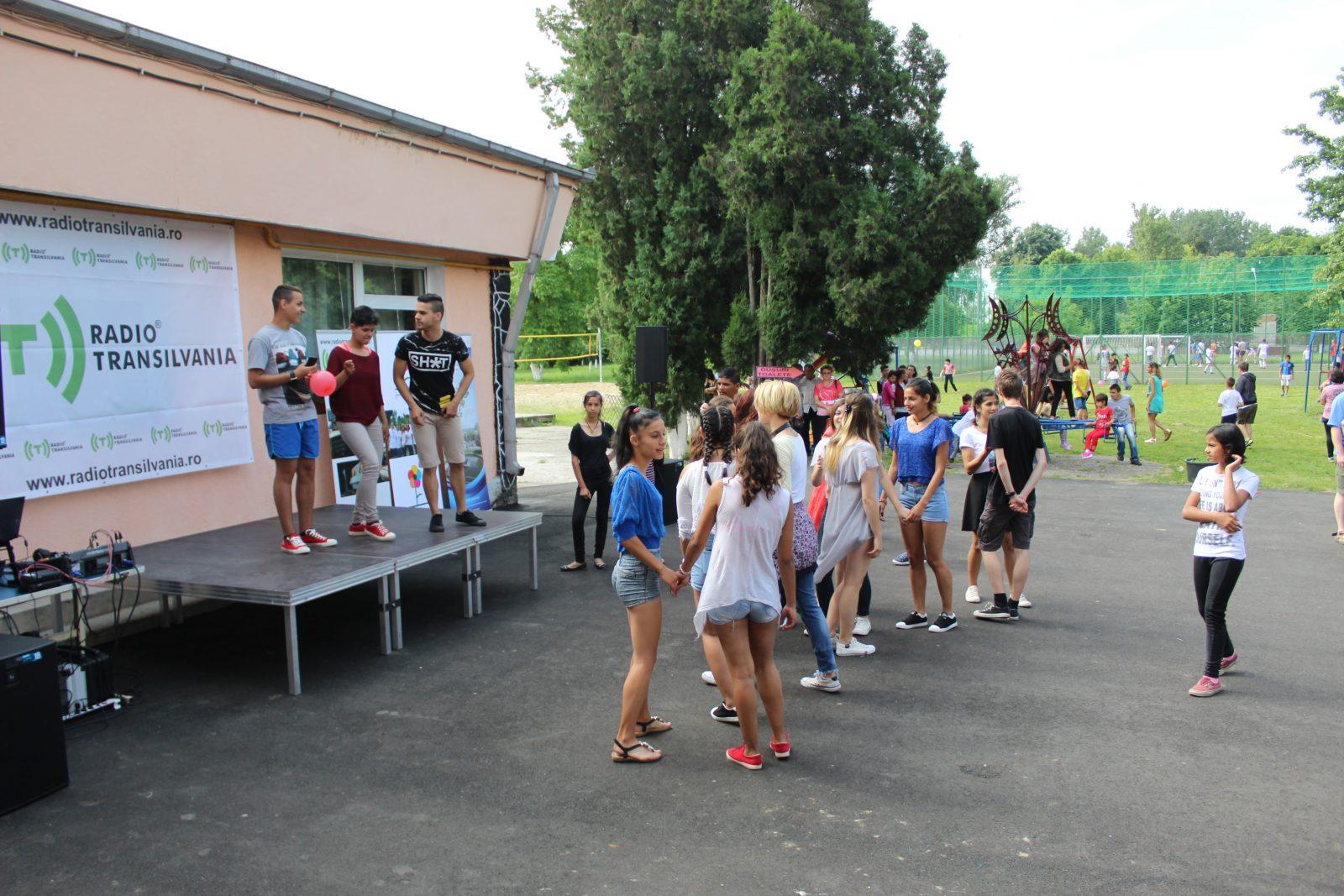 Több mint 300 gyermekotthonban lakó gyermek ünnepelt együtt