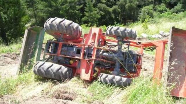 Un bărbat din Turț a murit strivit sub propriul tractor