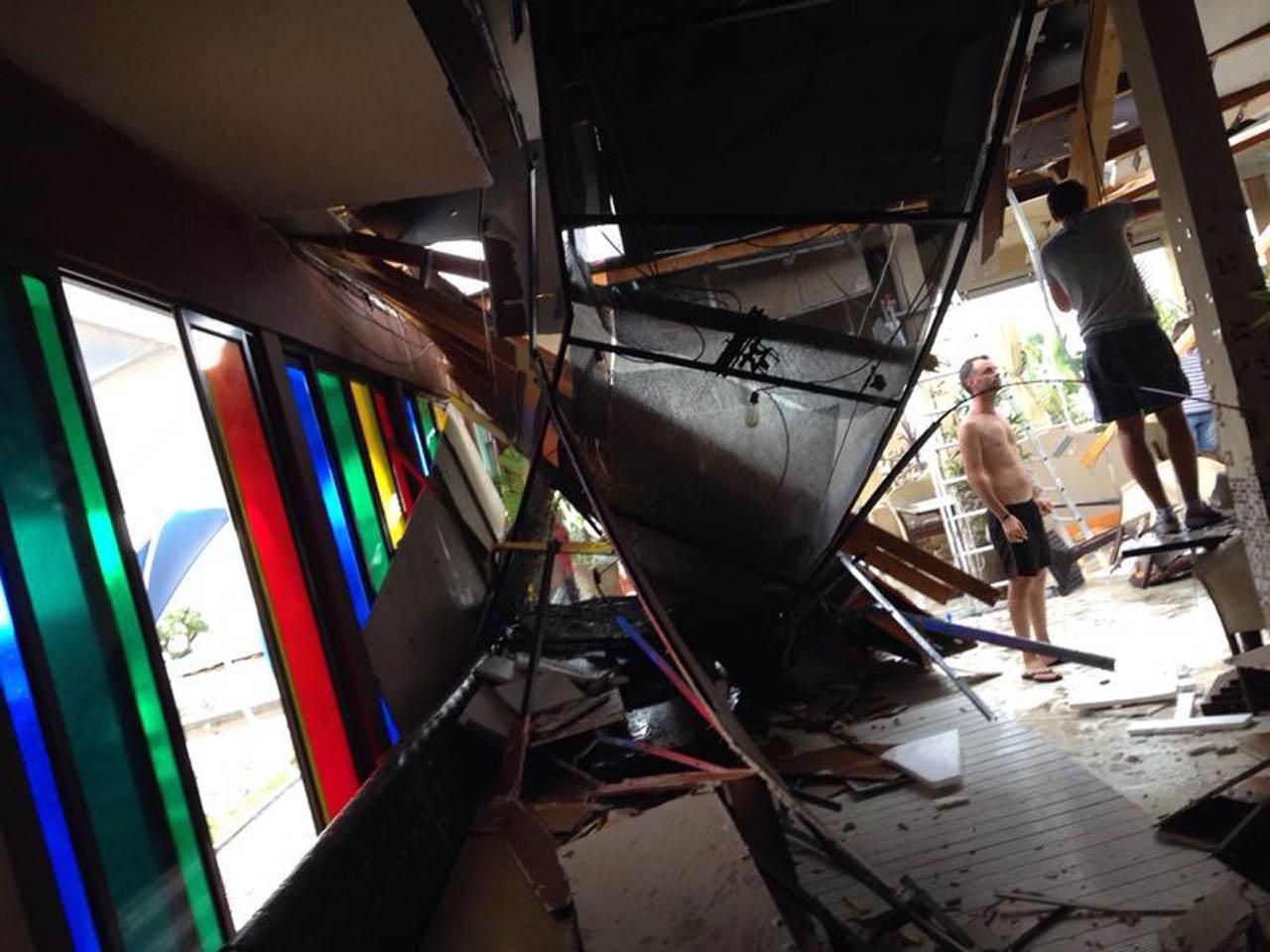O femeie din Sanislău a murit după ce acoperișul casei a căzut peste ea