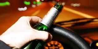 Tănăr prins conducând sub influenţa bauturii alcoolice