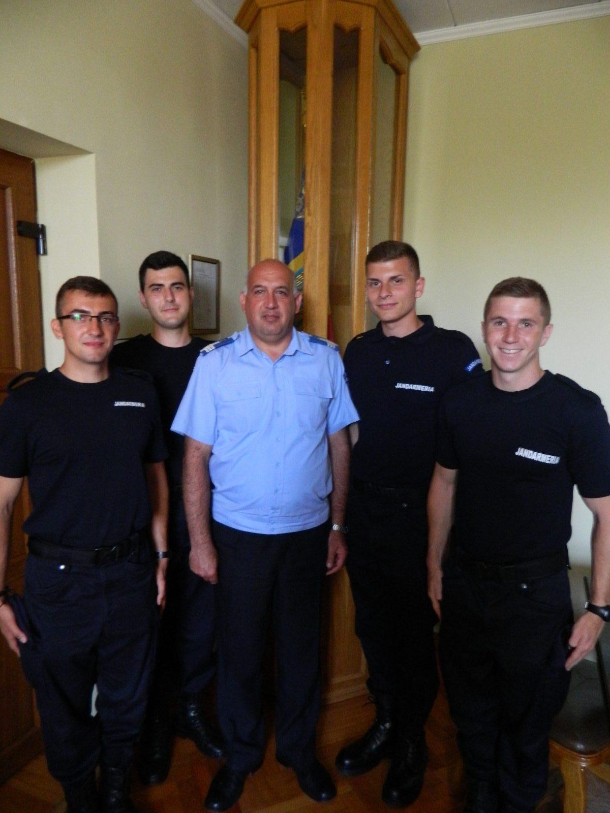 Patru elevi jandarmi se află în practică la Jandarmeria Satu Mare
