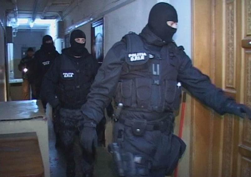 Mascații au tăbărât peste o rețea de traficanți de țigări din Ucraina și Serbia, care avea sediul în Satu Mare