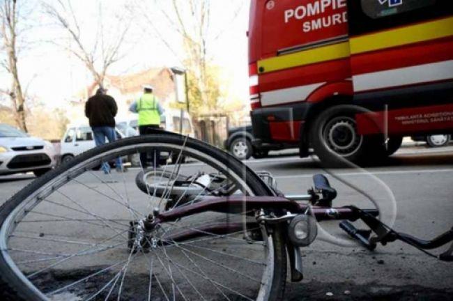 Biciclist transportat la spital în urma unui accident