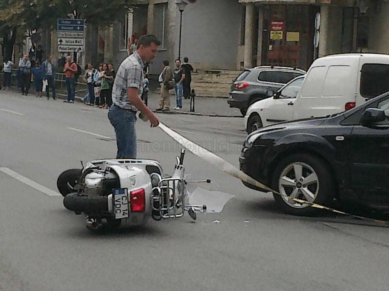 Accident prudus în Micula! Un mopedist la un pas de moarte